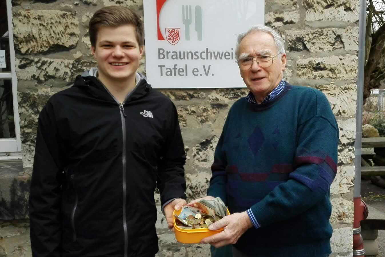 Gaußschule » Gaußschüler Sammeln Für Braunschweiger Tafel